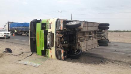 Más de 40 heridos dejó despiste de bus en la Panamericana Sur