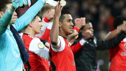 Tapia fue elegido el mejor jugador en triunfo de Feyenoord en Copa Holandesa