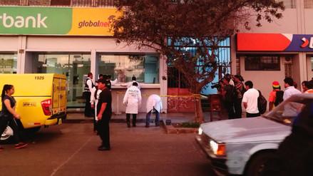 San Luis | Delincuentes asaltan a dos cambistas en la avenida Circunvalación