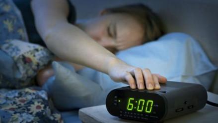 ¿Dormir dos o tres horas diarias? Conoce la moda del sueño polifásico