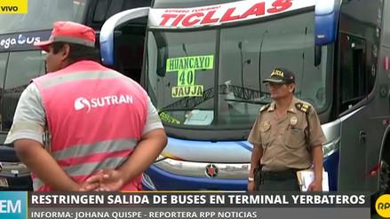 Restringen la salida de buses del terminal Yerbateros por bloqueos en la Carretera Central