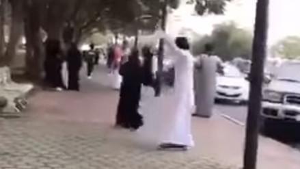 Ordenan la detención de dos jóvenes que bailan en la calle en Arabia Saudí