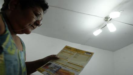 Peruanos pagarían tarifas eléctricas 3% más caras en febrero por un error del COES