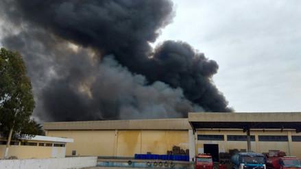 Incendio en complejo pesquero generó la alarma en Pisco
