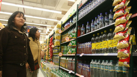Ministro de Salud revisará reglamento de advertencias en forma de octógonos