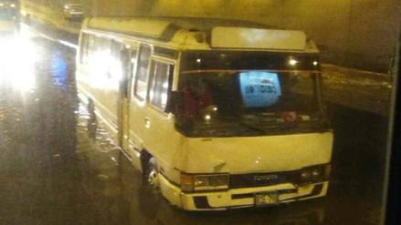 Aniego en la Carretera Central provoca congestión vehicular en Ate