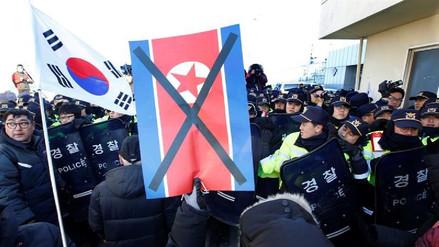 La orquesta norcoreana que actuará en el Sur llegó rodeada de seguridad