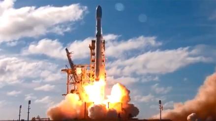 SpaceX lanzó Falcon Heavy, el cohete operativo más potente del mundo