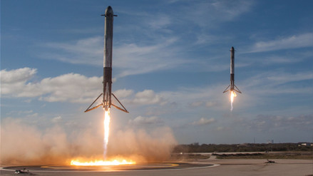 Viajes al espacio podrán costar menos tras lanzamiento de Falcon Heavy