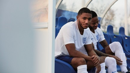 Rusia 2018: Inglaterra presentó indumentaria que usará en el Mundial