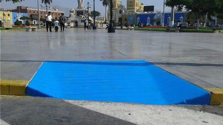 Polémica por pintado de rampas en plaza de armas de Trujillo