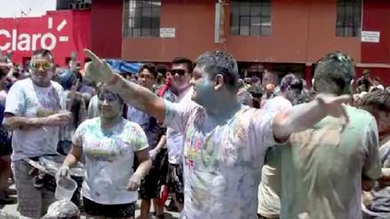 Cajamarquinos terminaron bañados en agua y pintura durante Carnaval