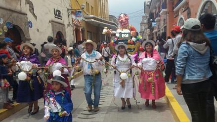 Con 95 comparsas se inició el Carnaval Ayacuchano 2018
