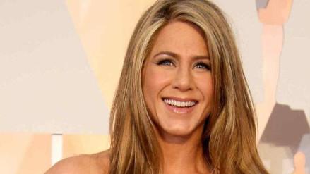 Jennifer Aniston lució su belleza sin maquillaje a los 49 años