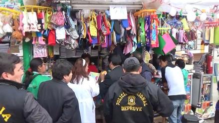Autorizan a 34 establecimientos para la venta de útiles escolares en Junín