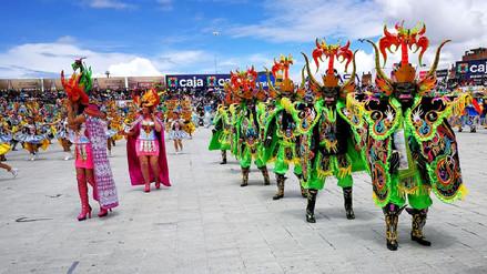 Danzantes lucieron Trajes de Luces por festividad Virgen de la Candelaria