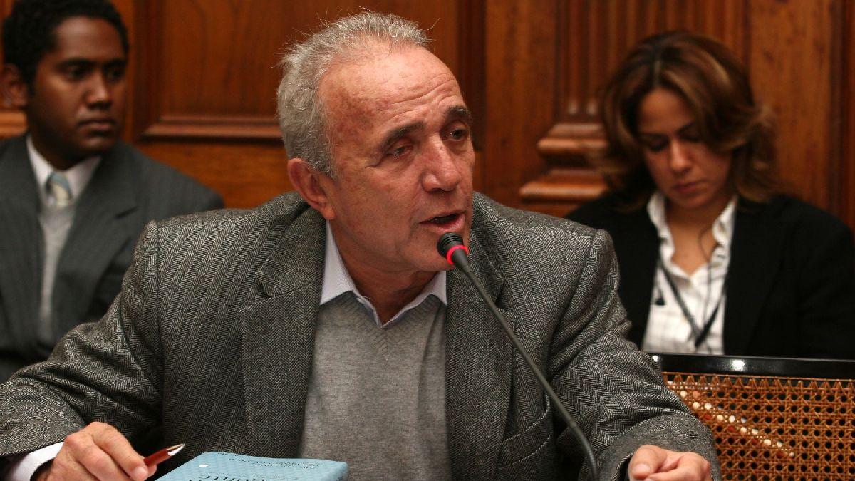 """Guido Lombardi: """"Durante el debate del lunes se mejoró el proyecto enviado por el Ejecutivo"""""""