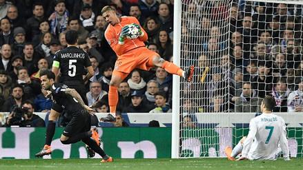 Arquero del PSG le ganó un mano a mano a Cristiano al desviar su remate con la cara