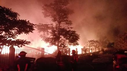 Reportan incendio en una fábrica de zapatos en Chosica