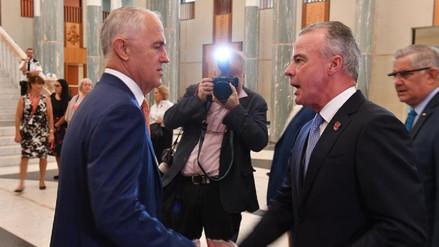 Australia prohíbe las relaciones sexuales entre ministros y subalternos