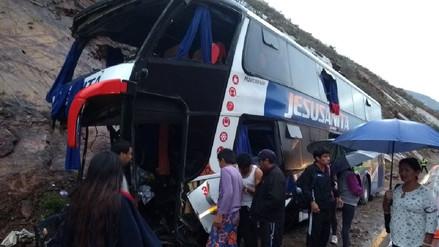 Cajamarca: choque de bus interprovincial contra cerro dejó un muerto
