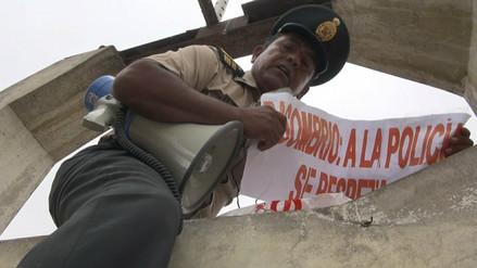 Instancia superior definirá baja de policía que protestó por caso Tumán