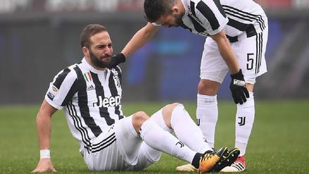 Gonzalo Higuaín se torció el tobillo en el derbi de Turín