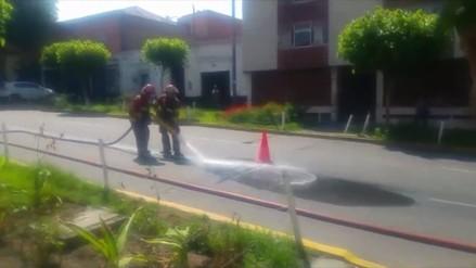 Derrame de petróleo cerca de plaza de armas de Arequipa causó alarma