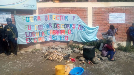 Docentes tomaron Ugel de Huancabamba por presuntos actos de corrupción