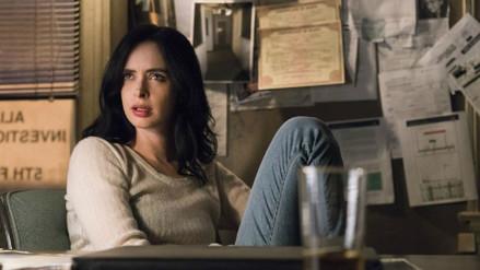Jessica Jones considera ocultar su identidad en nuevo tráiler de Netflix