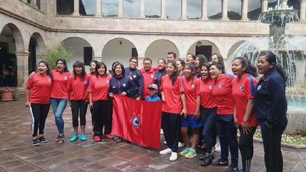 Cienciano del Cusco presentó a su equipo femenino de fútbol