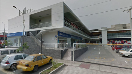 Delincuentes encapuchados asaltaron una agencia bancaria en Surco