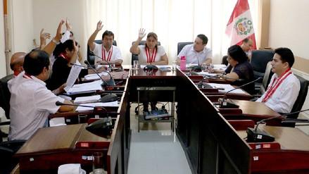 Comisión fiscalizadora amplía investigación contra gobernador regional