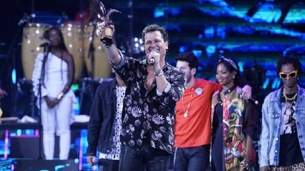 Viña del Mar 2018: Carlos Vives regaló su gaviota a fan con Síndrome de Down