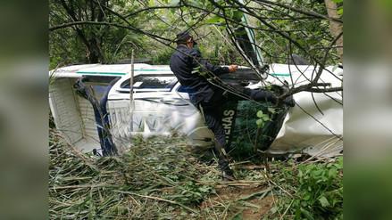 Policías salvan de morir tras caer patrullero a abismo en Magdalena