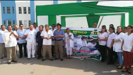 Pacientes afectados por paro de médicos de EsSalud