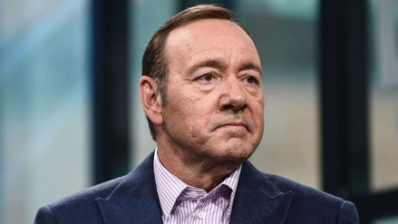 Fiscalía investiga demanda contra Kevin Spacey por abuso sexual