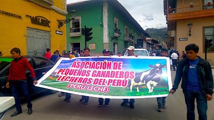 Ganaderos marcharon contra proyecto de ley que afectaría acopio de leche