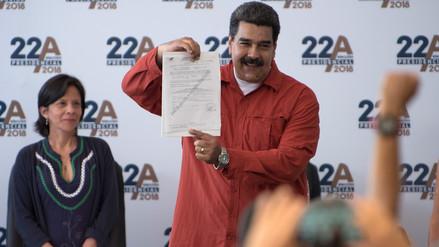 Maduro formaliza su candidatura presidencial sin contendientes de peso