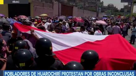 Vecinos de Huarochirí protestan por obras inconclusas