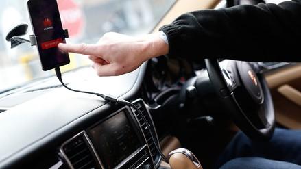 MWC | Un auto fue conducido por un smartphone en Barcelona