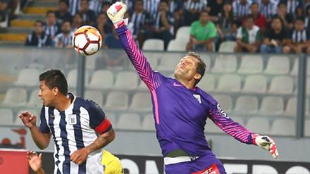 Leao Butrón negó que haya iniciado el partido contra Boca Juniors con una lesión