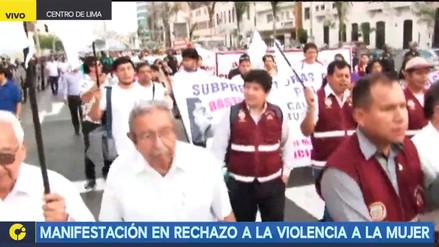 Movilización con el lema 'Varones de pie' rechaza violencia hacia la mujer