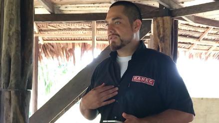 Un extranjero que rescata en la Amazonía a animales en peligro de extinción