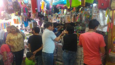 Más de un millón de cuadernos se venden en mercado Modelo de Chiclayo
