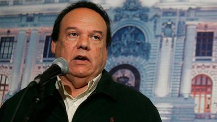 Piden se declare persona no grata a Luis Alva Castro por caso Odebrecht