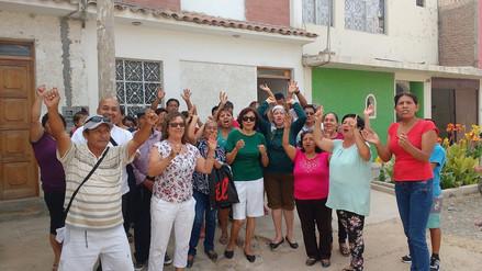 Vecinos exigen limpieza y asfaltado de la calle Loreto