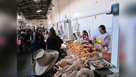 Precio del kilo de pollo se mantiene en mercados de Cajamarca
