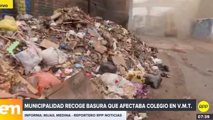 Municipalidad de VMT recogió basura que afectaba colegio tras denuncia de Rotafono