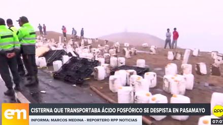 Camión que transportaba ácido fosfórico se despistó en Pasamayo